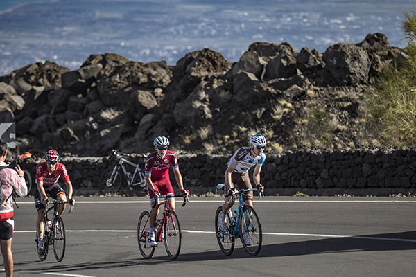 Giro d'Italia, l'Etna con Bike Division           ^Photo credit Pocis